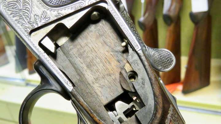 Büchsenmacher sind Mettall- und Holzarbeiter.