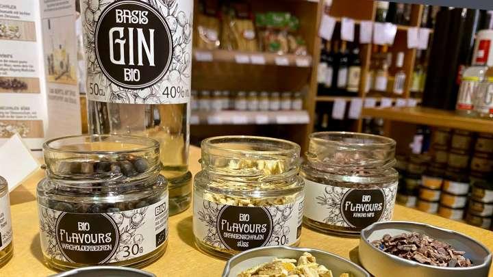 Bei »Barrique Wolfenbüttel« wartet das exklusive Gin-Set für Genießer darauf verschenkt zu werden.