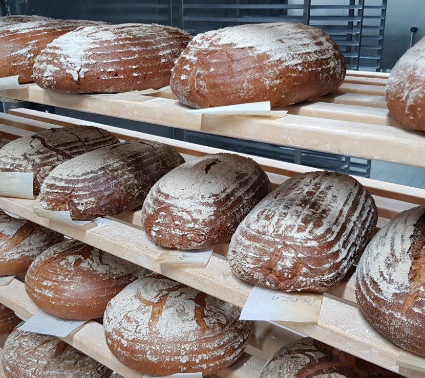 Fertig gebackenes Brot