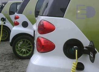 Elektro-Smarts beim Stromtanken, Foto: Daimler_Career/flickr.com