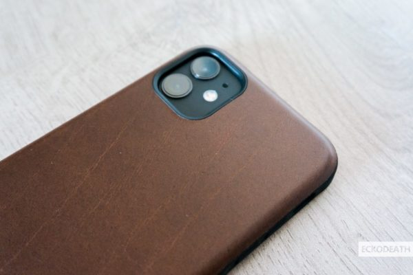 Nomad Rugged Case Brown unboxing-8-min