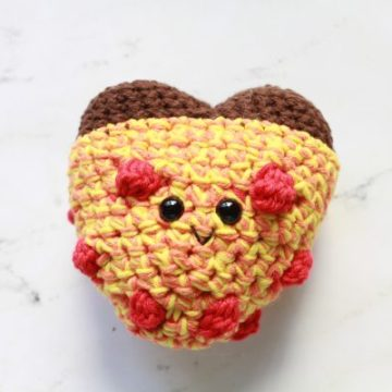 Pizza My Heart Amigurumi FREE Crochet Pattern by ECLAIREMAKERY.COM