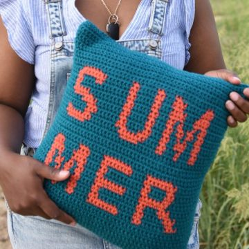 Summer Pillow Cover: Free Crochet Pattern by Desamour Designs