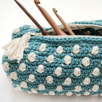 Bobble Notions Bag: Free Crochet Pouch Pattern