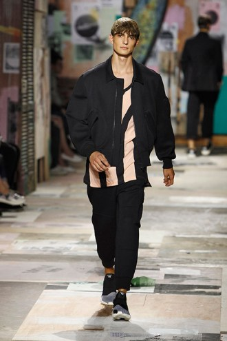Y-3 Spring/Summer 2015 - Runway - Paris Fashion Week - Menswear S/S 2015