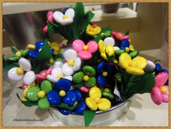 candy filled flowers, so pretty