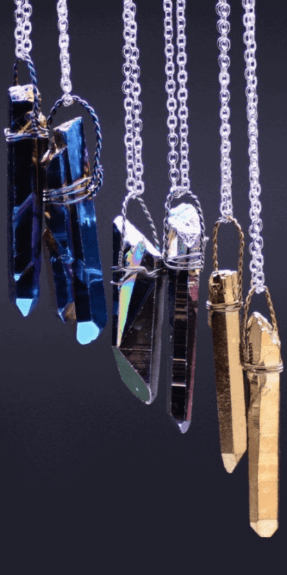 Boho Natural Crystal Pendant Necklace: These natural stones will fill your throat and heart chakras with healing energy! Stones and crystals meanings. Crystal aesthetic. Lemurian crystal. Crystal prisms. 70s hippie style jewelry. #witchcraft #crystals #hippie #jewelry #pagan #wicca #witch