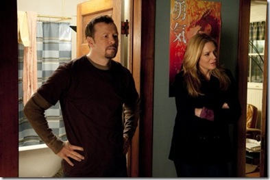 """IN PLAIN SIGHT -- """"Father Goes West"""" EP 301 -- USA  Network Photo: Colleen Hayes"""