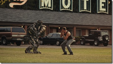 Hugh Jackman in REAL STEEL_2