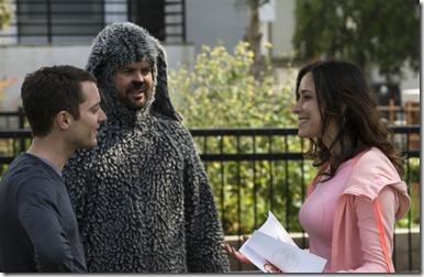 WILFRED: Episode 4: Sincerity (Airs Thursday, June 27, 10:30 pm e/p). Pictured: (L-R): Elijah Wood as Ryan, Jason Gann as Wilfred, Jenny Mollen as Kim. CR: Prashant Gupta/FX