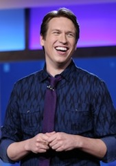 Pete-Holmes-onstage
