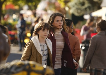 THE AMERICANS -- Comrades -- Episode 1 (Airs Wednesday, February, 26, 10:00 PM e/p) -- Pictured: (L-R) Keidrich Sellati as Henry Jennings, Keri Russell as Elizabeth Jennings -- CR: Craig Blankenhorn/FX