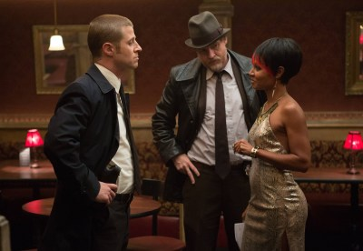"GOTHAM: Detectives Gordon (Ben McKenzie, L) and Bullock (Donal Logue, C) question Fish Mooney (Jada Pinkett Smith, R) in the ""Selina Kyle"" episode of GOTHAM airing Monday, Sept. 29 (8:00-9:00 PM ET/PT) on FOX. ©2014 Fox Broadcasting Co. Cr: Jessica Miglio/FOX"
