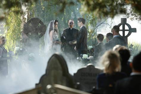 LUCIFER: The ÒMonsterÓ episode of LUCIFER airing Monday, Oct. 31 (9:01-10:00 PM ET/PT) on FOX.   ©2016 Fox Broadcasting Co. Cr: Bettina Strauss/FOX.