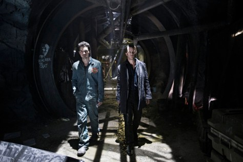 "THE EXPANSE --""Leviathan Wakes"" Episode 109 -- Pictured: (l-r) Steven Strait as Earther James Holden, Thomas Jane as Detective Josephus Miller -- (Photo by: Rafy/Syfy)"