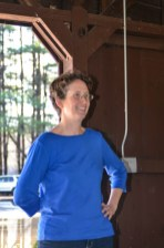Dr. Paige Warren presenting Wildlife Ecology & Conservation/Fisheries Ecology & Conservation awards