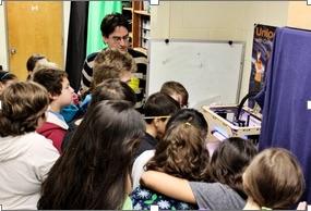 Schreyer introduces elementary school kids to 3D printing