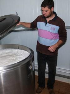 produtor controla o leite