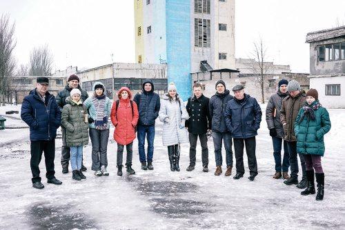 На фото: учасники інформаційного туру з представниками місцевої організації Незалежної профспілки гірників України