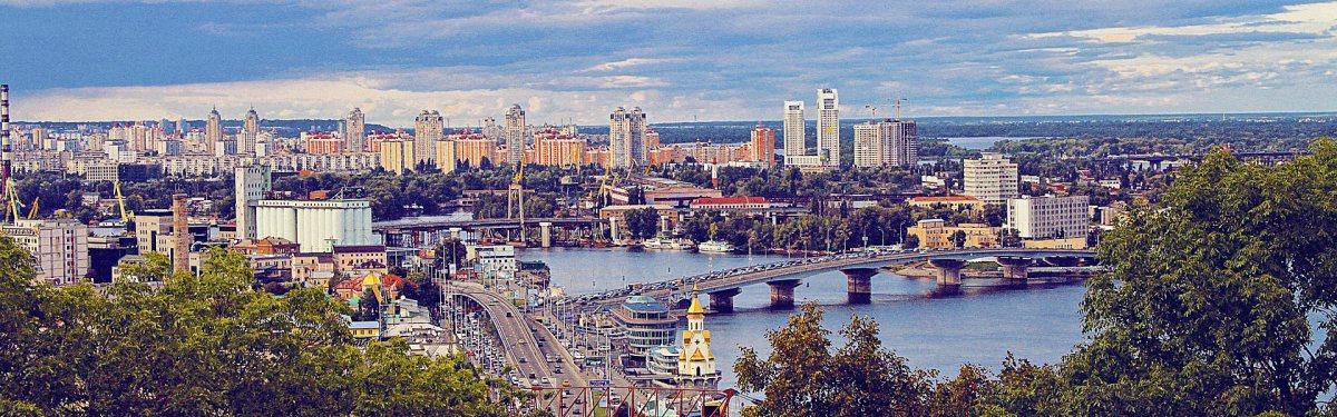 Громадський транспорт у Києві, Україна