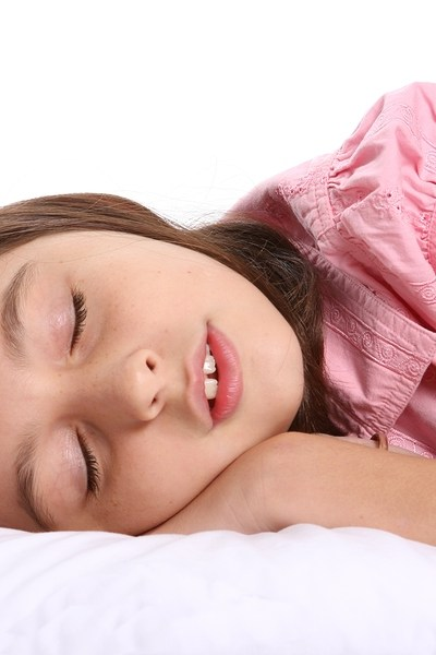 Want your kid to go to sleep?  Cut out TV time before bed.