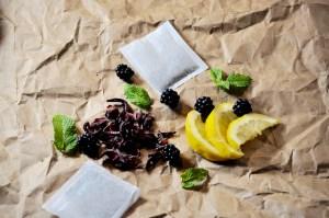 hibiscus lemon blackberry sun tea