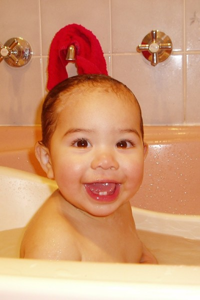 Baby Essentials That Aren't, Part 5: Baby Bathtubs