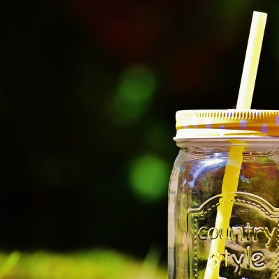 5 Reasons to Switch From Plastic Straws to Glass Straws