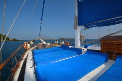 captain ricks sailing panama azuleta sun deck-1