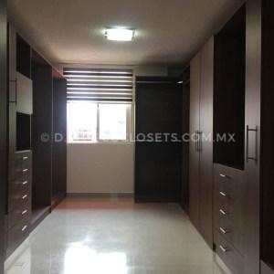 Diseño de Vestidor Moderno y Grande de Madera Eco Closets Querataro Mexico