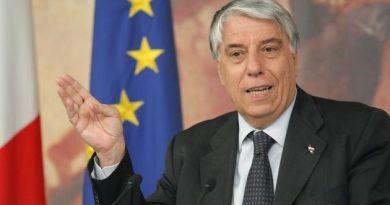 """Gay, Giovanardi (IdeA): """"Bufala vergognosa su test facoltà di Medicina"""". Anche la ministra Fedeli…"""