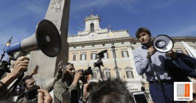 VIDEO – Di Battista scende in piazza ma viene contestato dagli uomini del generale Pappalardo