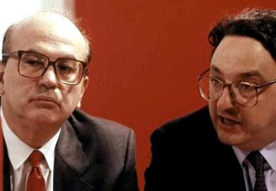 """""""Appassisce"""" un garofano rosso, ciao a Gianni De Michelis"""