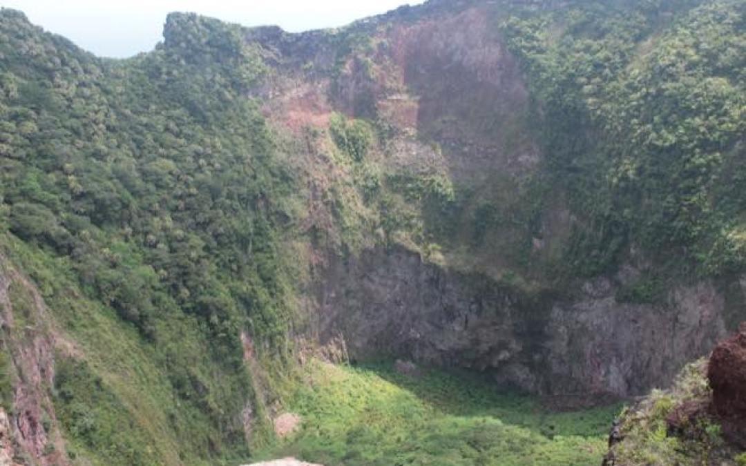 7年越しの念願!トカラ列島の無人島「横当島」に上陸しました!