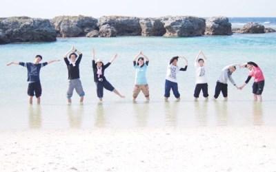 宝島は暑い陽気! 透明な海に入っちゃいました!