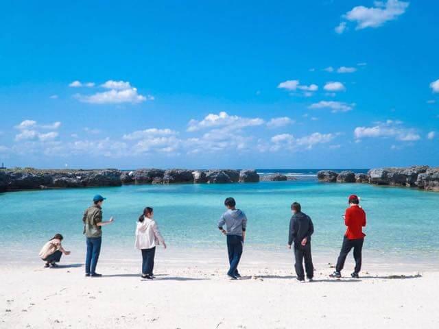 海にポツンと浮かぶ島で南の島の雰囲気を満喫!