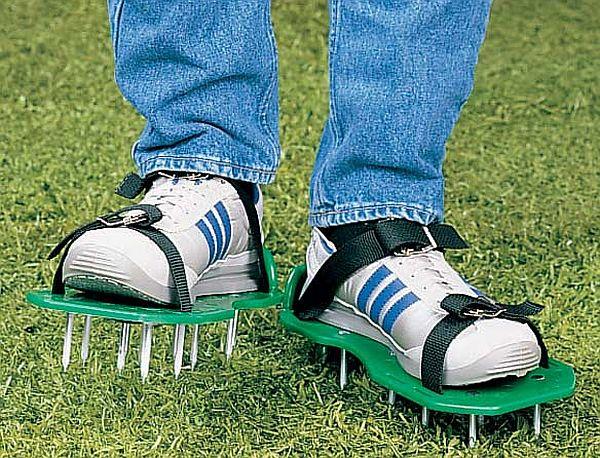 Garden aerator sandals