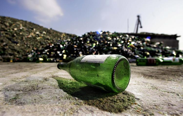 bottle_recycling_77398457
