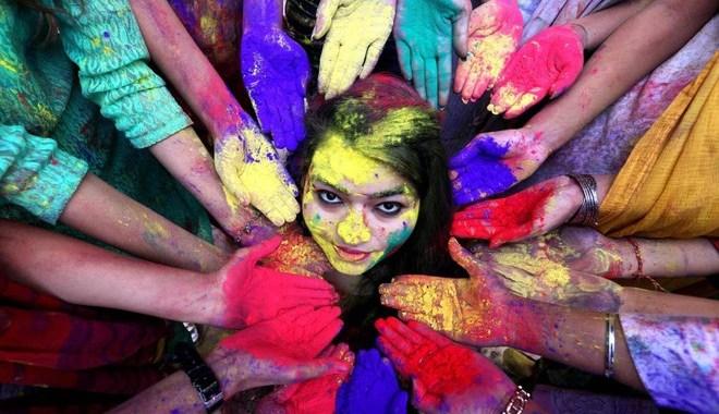 ArciComoWeb Tv/ Abby Basiouny/ Palinsesto 22 dicembre/ Le feste dell'India