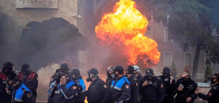 Che succede in Albania?