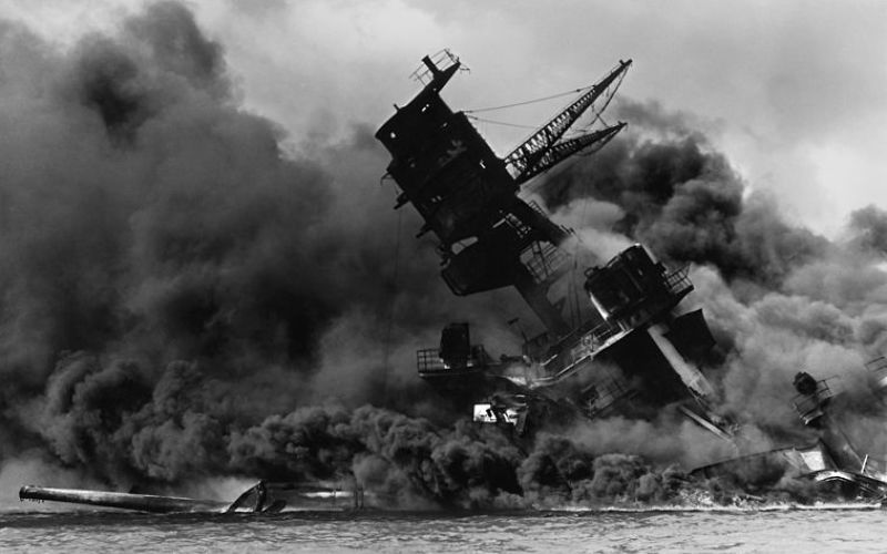 758px.The_USS_Arizona_.BB.39._burning_after_the_Japanese_attack_on_Pearl_Harbor_._NARA_195617_._Edit