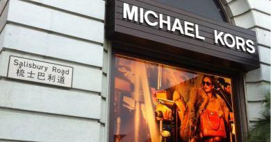 Capri Holding: il gruppo guidato da Michael Kors presenta la sua strategia sociale d'impresa