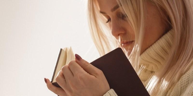 leggere un libro