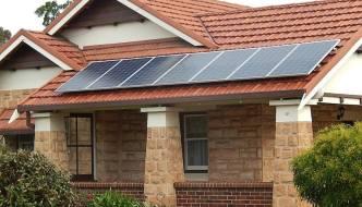 California da paneles solares gratis a familias con pocos recursos