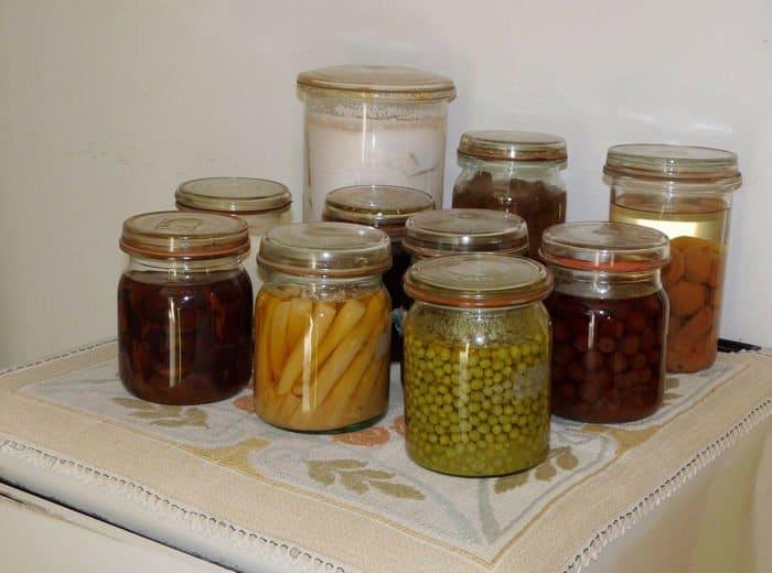 Conserva los alimentos en tarros de vidrio