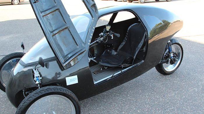 Raht Racer Triciclo eléctrico a pedales interior
