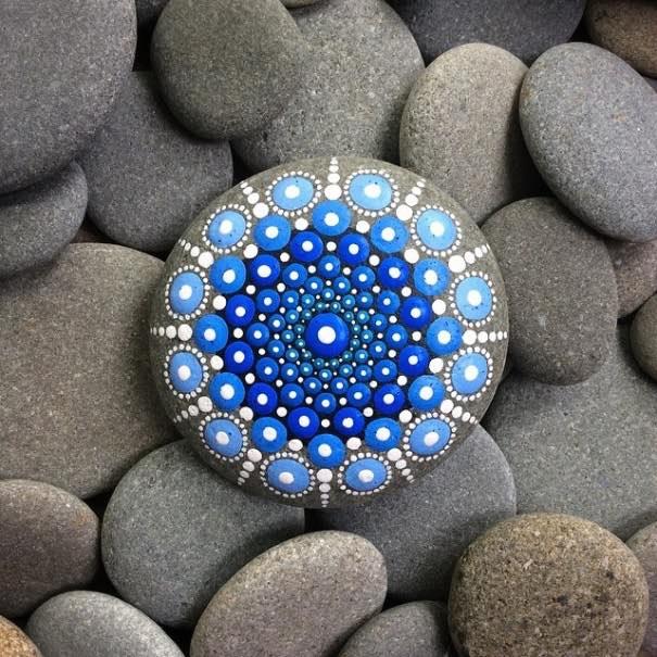 Como pintar piedras para crear coloridos Mandalas12