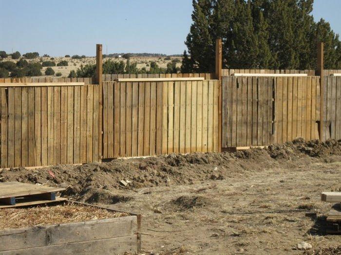 una valla de palet en el jardn - Valla De Jardin