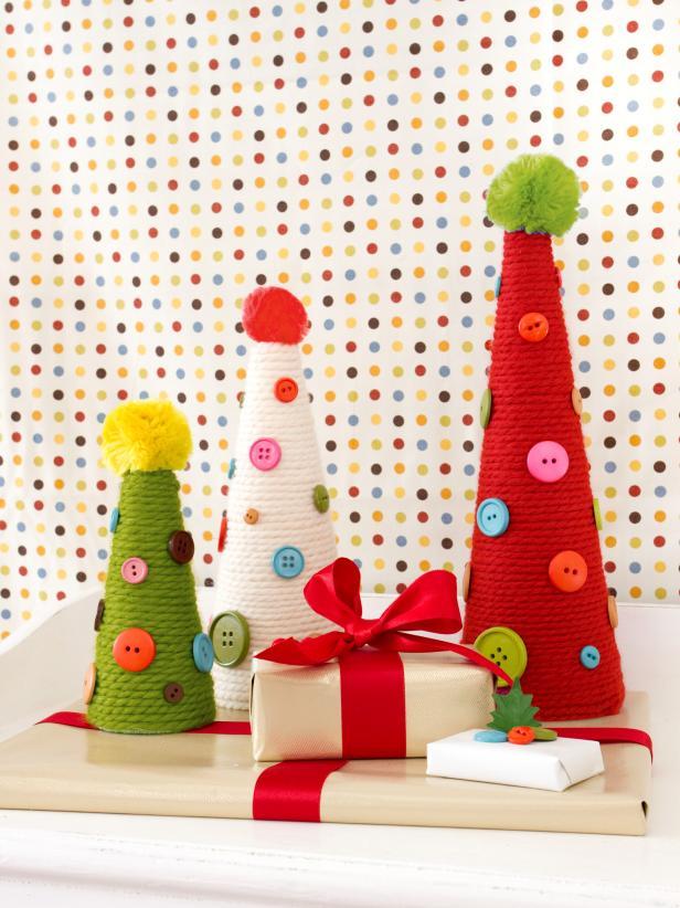 rbol de navidad con hilo y botones