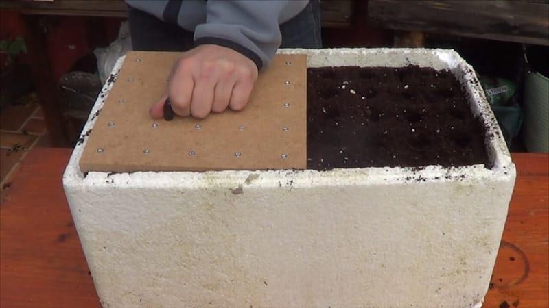 Hacer una herramienta de siembra casera